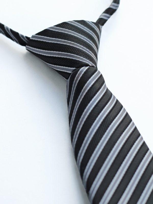 Детский галстук черный с диагональными серебряными полосами
