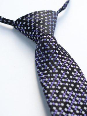 Детский галстук черный с серебристыми и сиреневыми ромбами