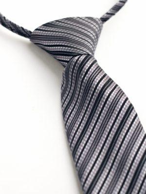 Детский галстук серый с диагональными полосами