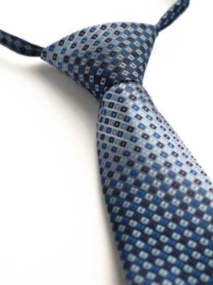 Детский галстук синий с голубым и синим ромбовидным узором