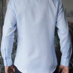 Приталенная голубая рубашка Vester 70714 W сзади